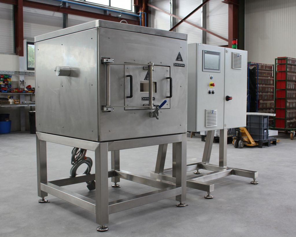 R&D oven for spaceflight manufacturer - heating solutions